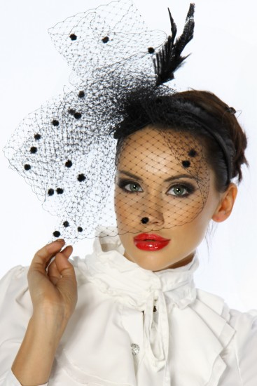 Designer-Minihut / Fascinator in schwarz